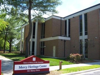 Fachada del edificio del Centro de la Herencia de la Misericordia